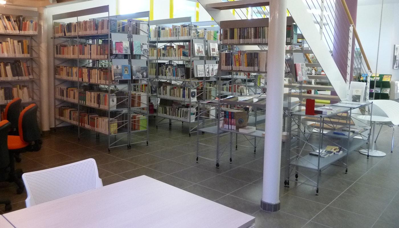 Della Chiara Steel Libreria biblioteca Villa Fastiggi Gallery 4