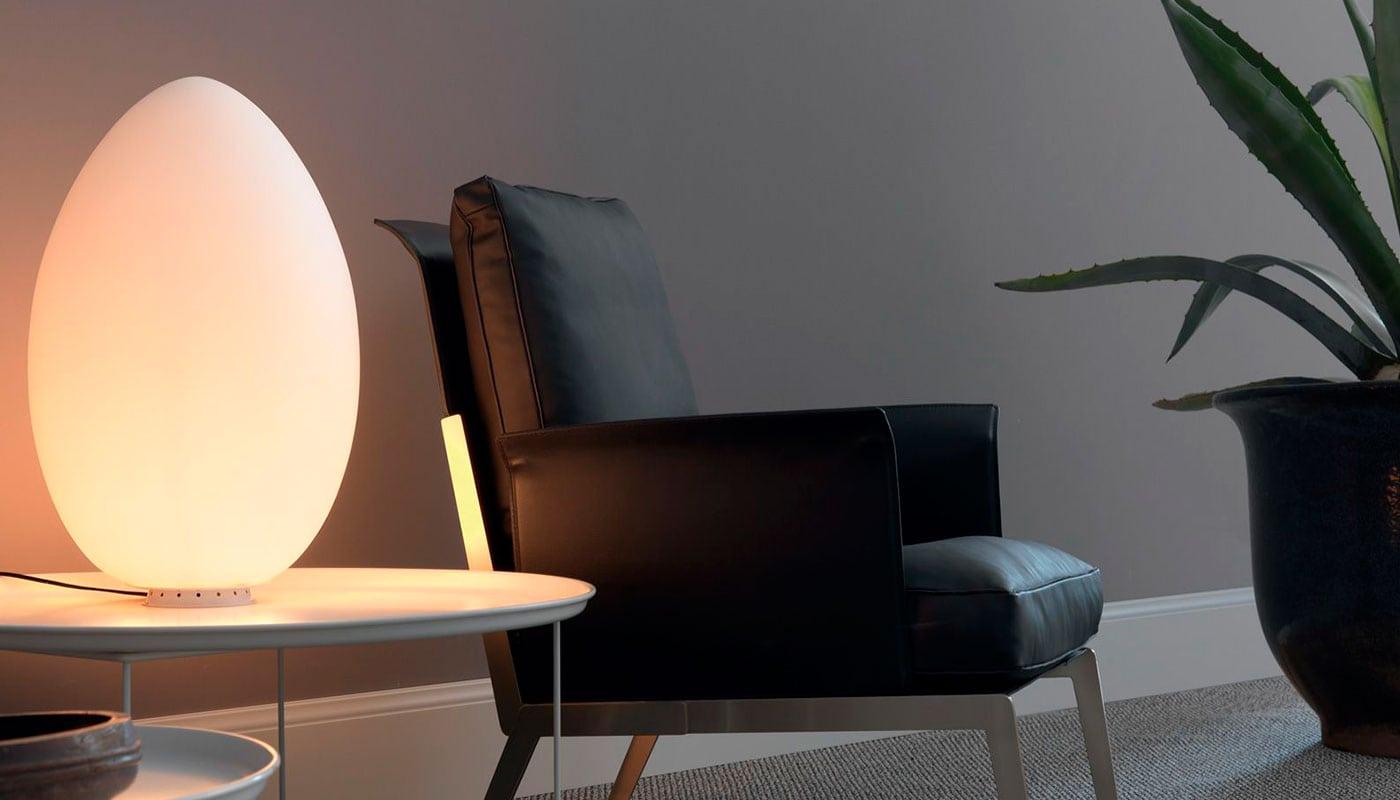 Uovo lampada da tavolo