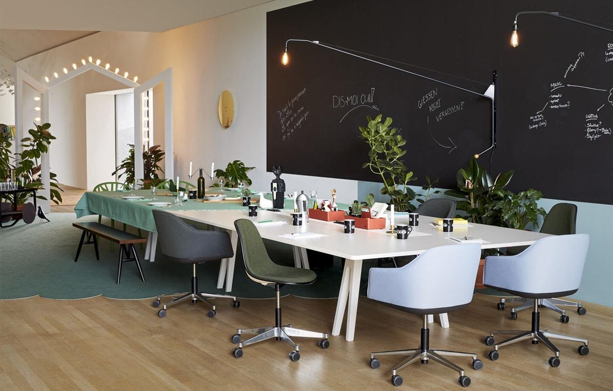 VITRA Softshell Chair poltroncina razze lampada potence gallery 1