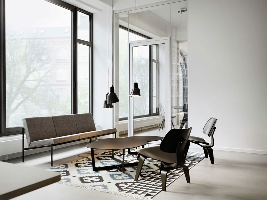 Plywood LCW lounge