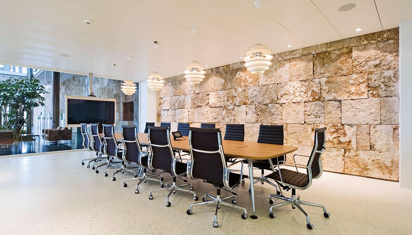 Aluminium Chairs EA 119 poltrona direzionale