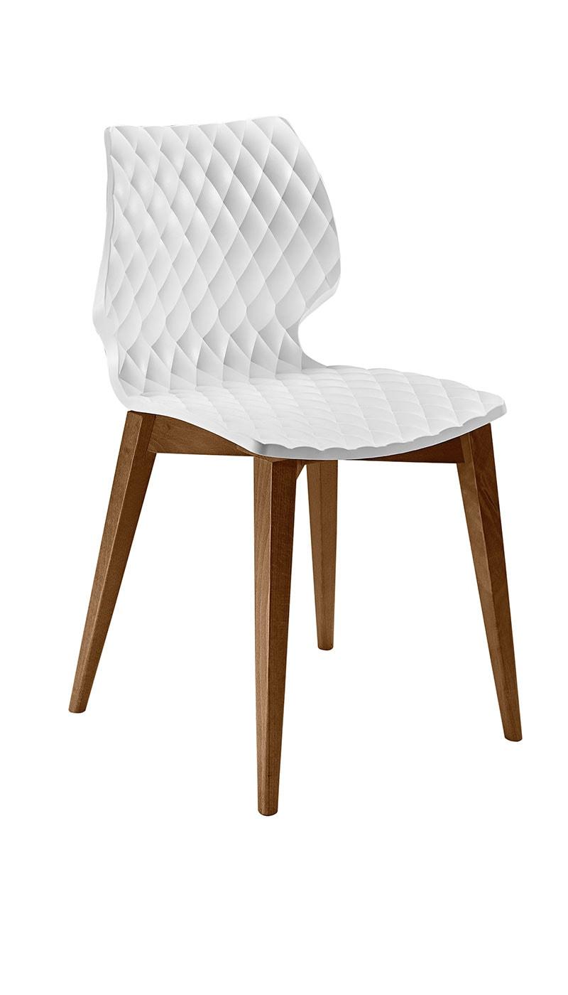 Uni sedia in legno