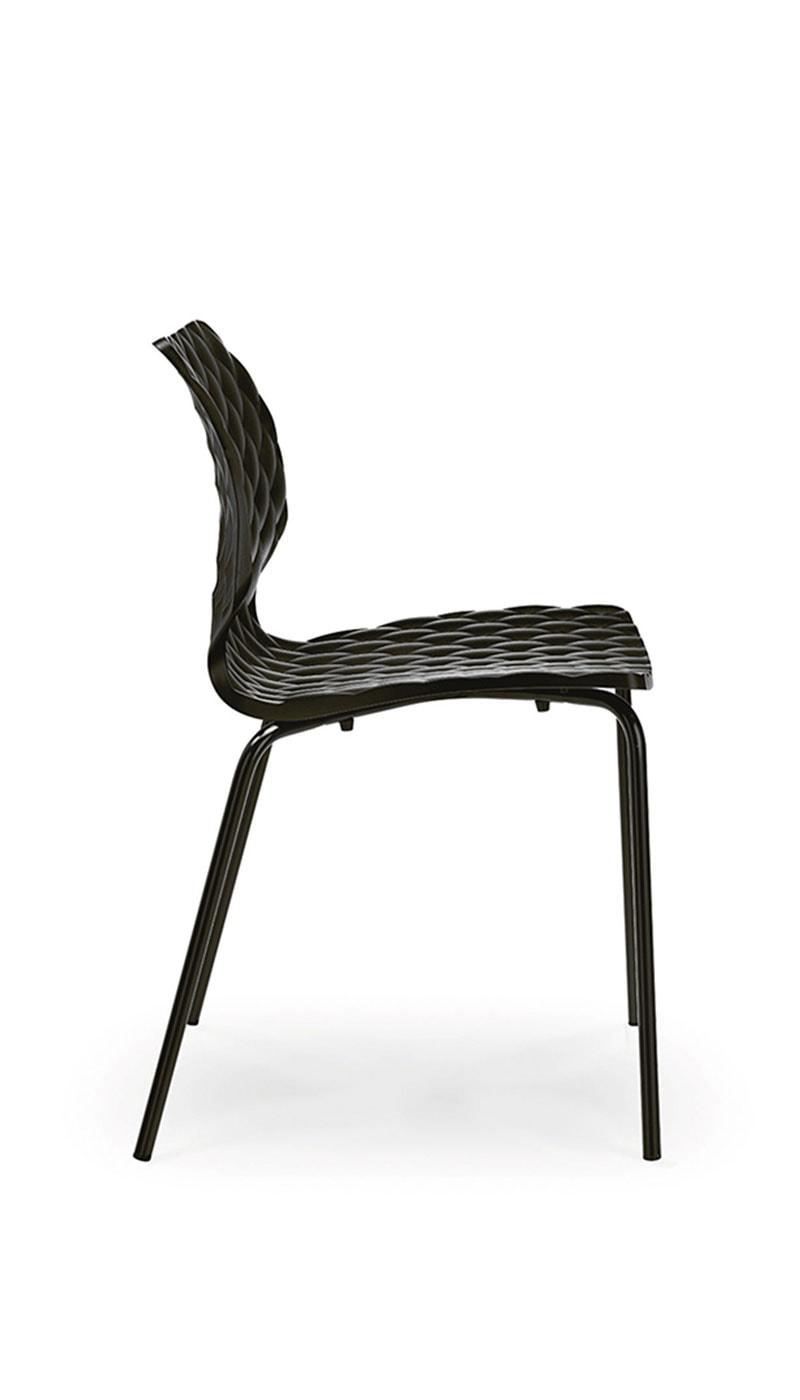 Uni sedia a slitta e quattro gambe