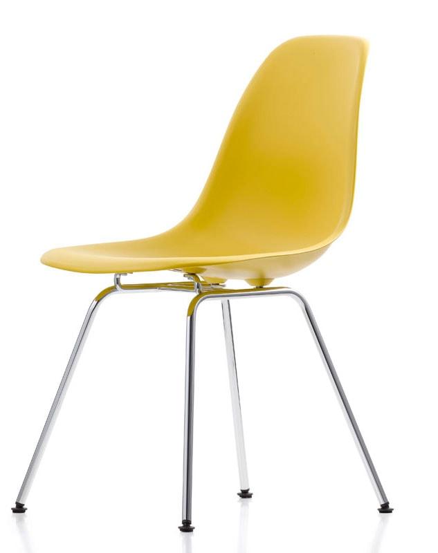 Eames Plastic Side Chair DSX Vitra