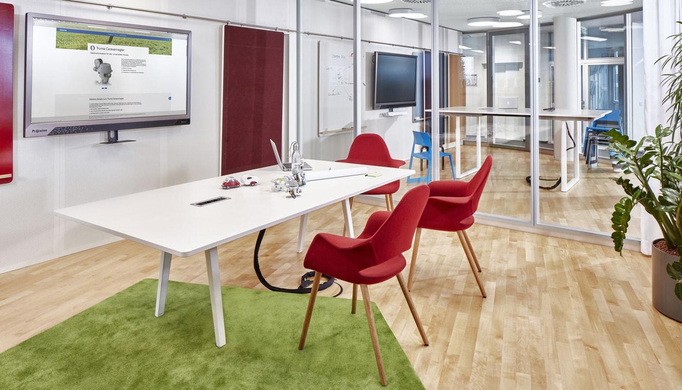 VITRA Organic chair gallery 6