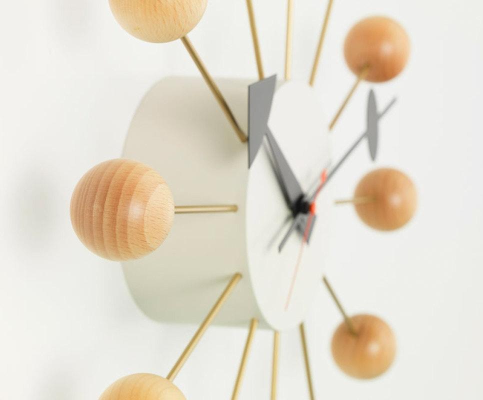 VITRA Ball Clock orologio da parete gallery 6