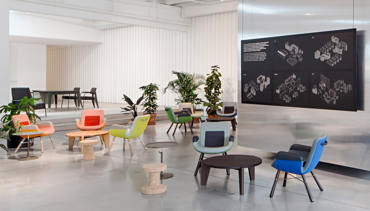 VITRA East River poltroncina gallery 1