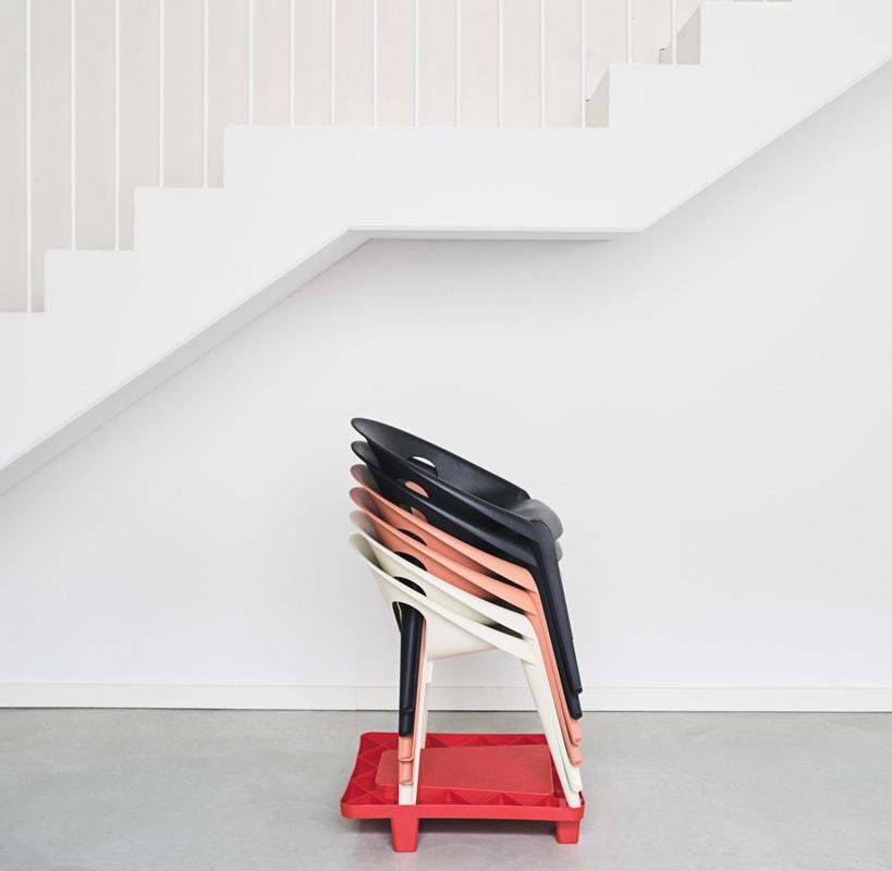 MAGIS Bell Chair sedia impilabile Pallet gallery